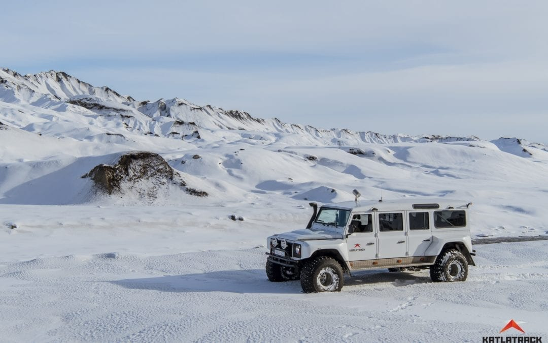 A drive through the snow on our Super Jeep Tour