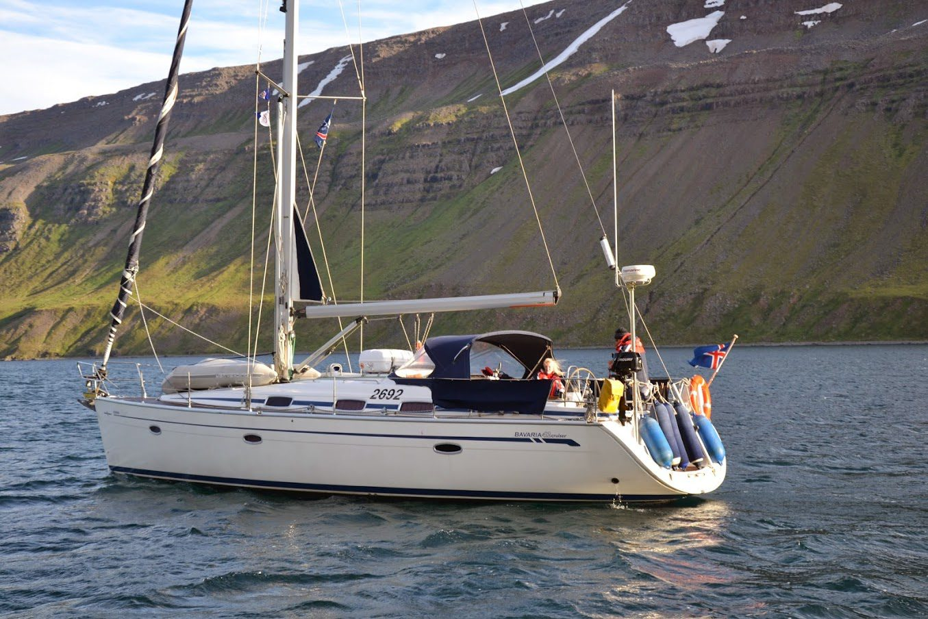 Sailing Yacht Cruise in Faxafloi